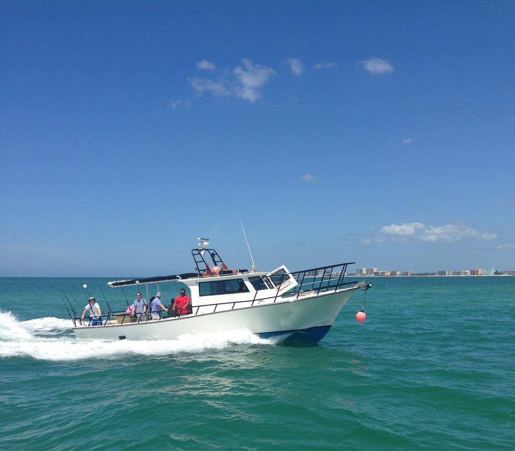 Private fishing charters deep sea fishing charters gulf for Charter fishing tampa